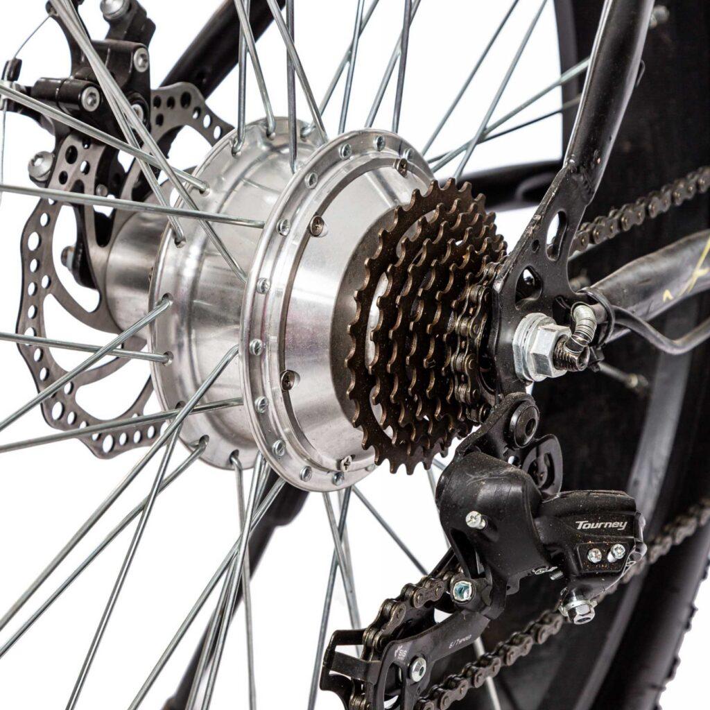 عکس دوچرخه لاستیک پهن دنرو freedom