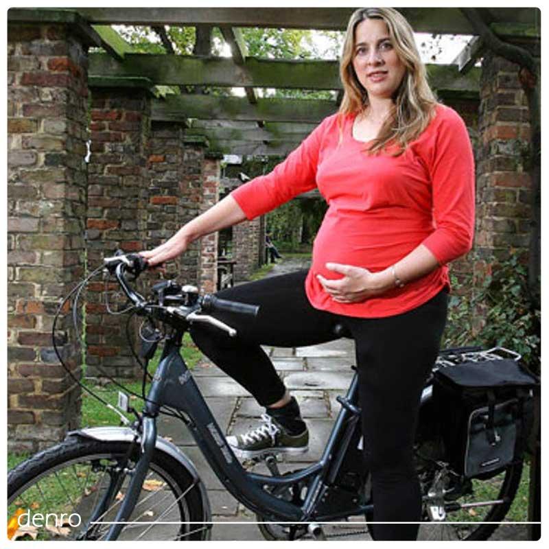 عکس زن باردار دوچرخه سوار