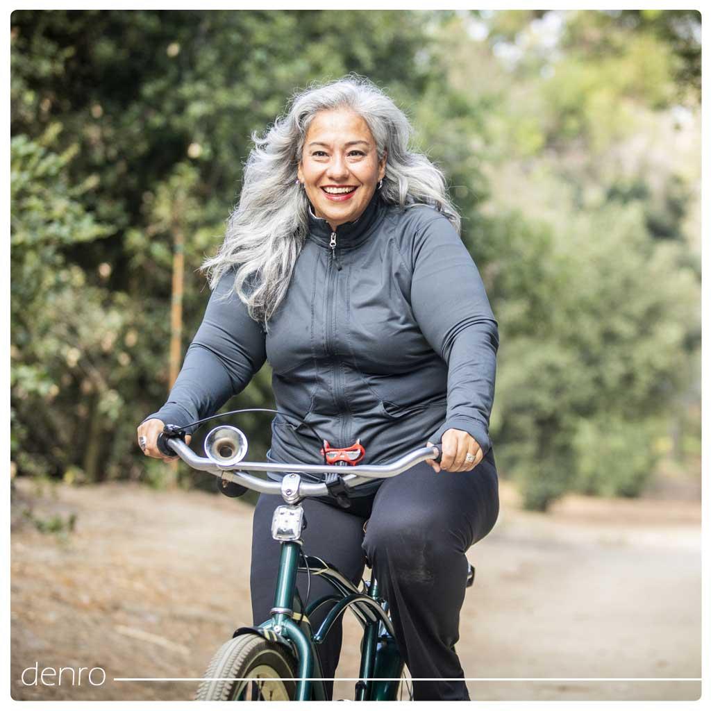 دوچرخه سواری خانم ها