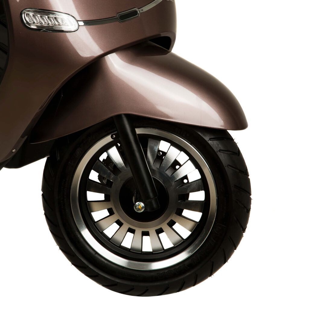 چرخ جلو موتور سیکلت برقی طرح وسپا RS3000