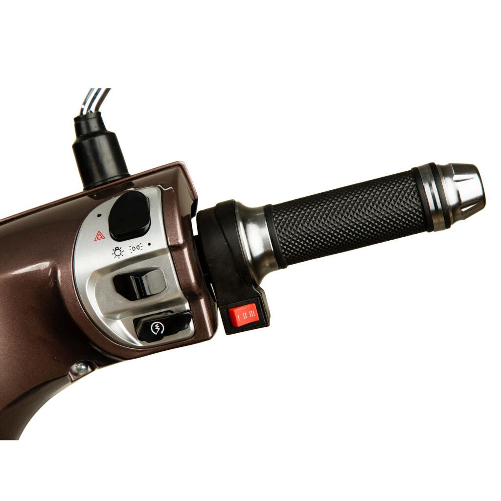 دکمه های موتورسیکلت الکترونیکی طرح وسپا RS3000