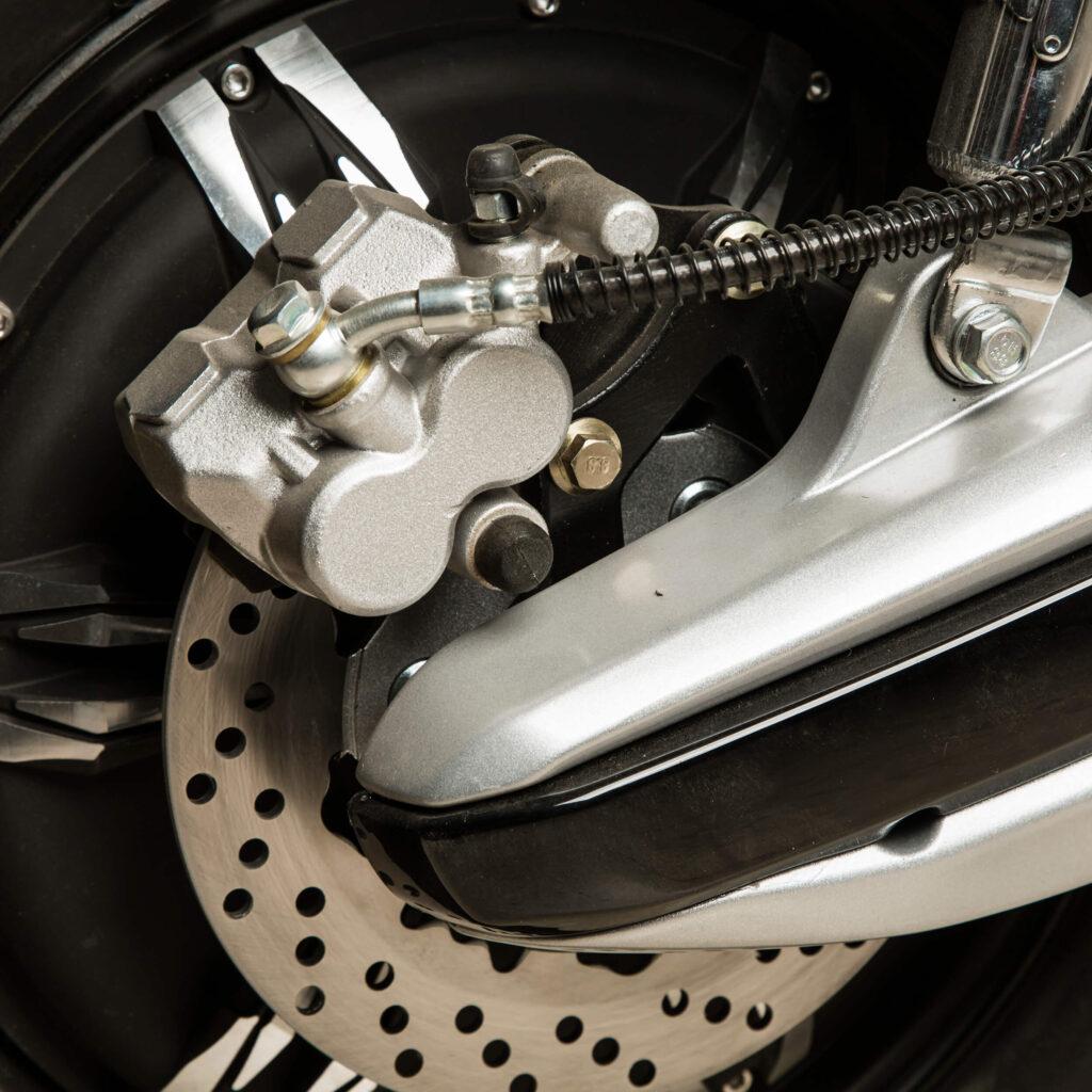 ترمز موتور برقی طرح وسپا RS3000