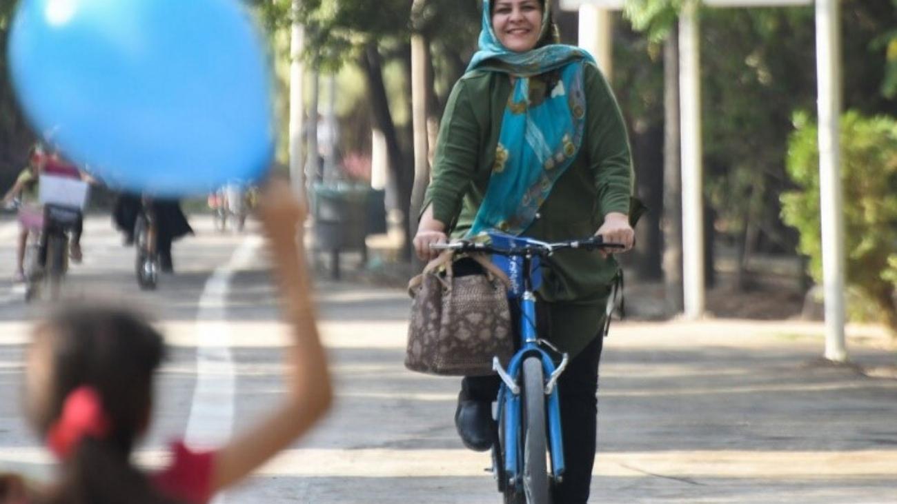دوچرخه سواری بانوان
