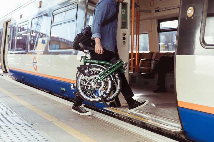 مترو سواری با دوچرخه تاشو