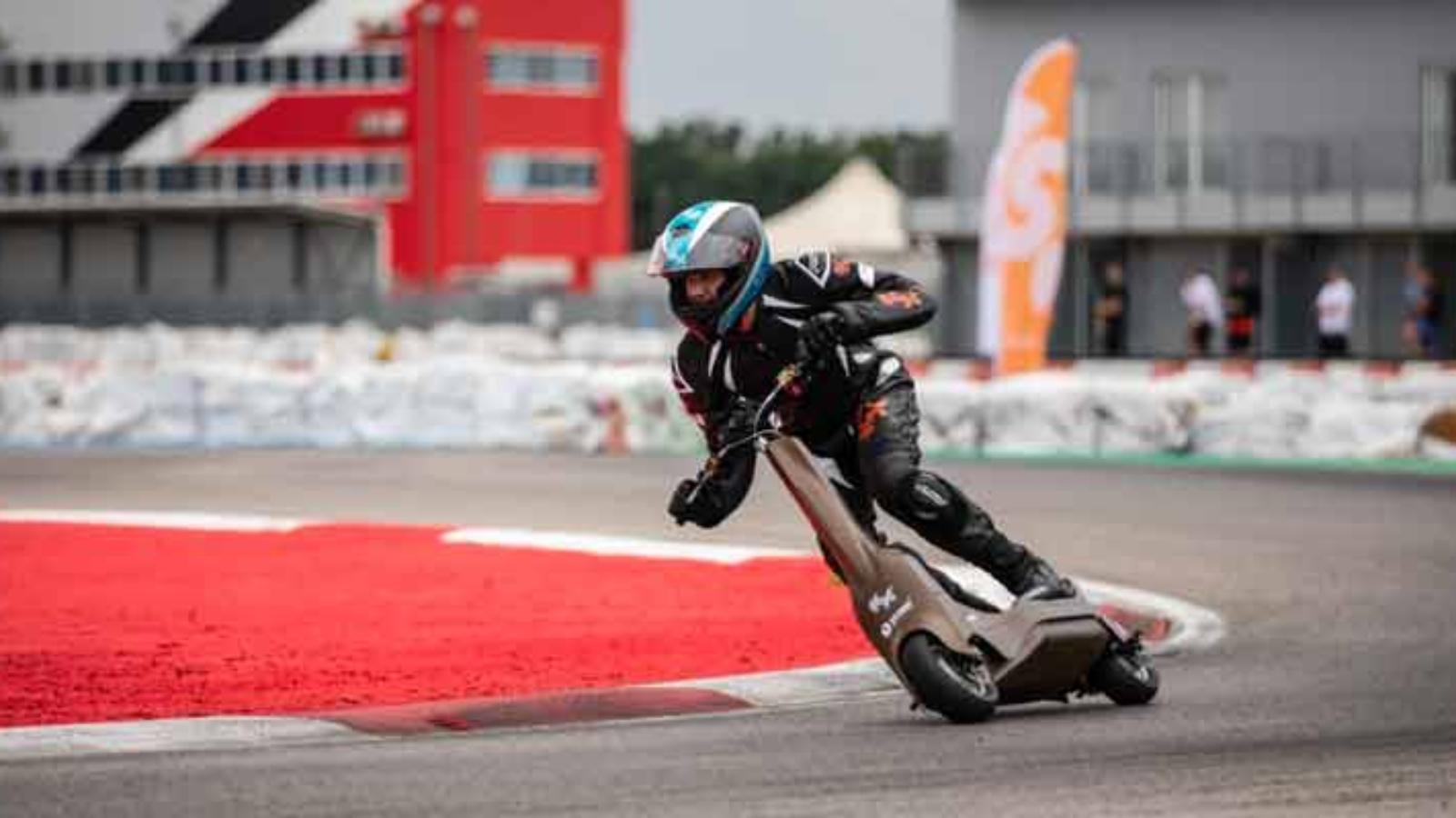 مسابقه اسکوتر برقی 2022